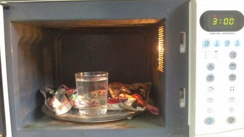 Микровълновата печка е идеална за загряващи подложки