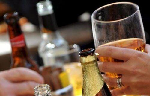 Алкохолът е честа причина за възпаления