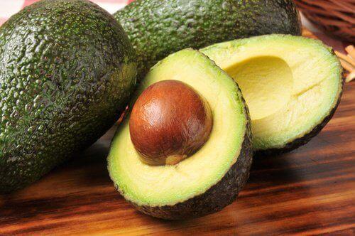 8 полезни плода: авокадо