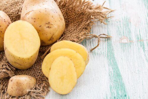 картофите са натурално средство срещу брадавиците