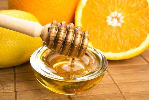 Мед и портосал -  отлично натурално средство при груби и сухи ръце