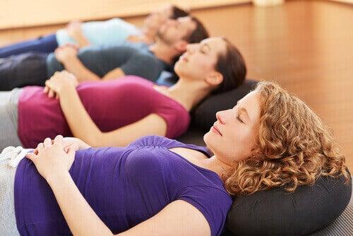 Релаксиращи упражнения за по-добро качество на съня