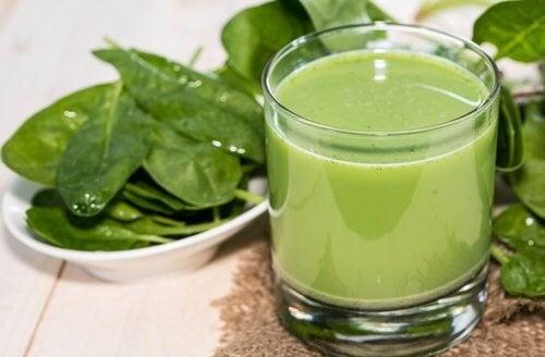 Топ 4 зелени смутита при високо кръвно налягане