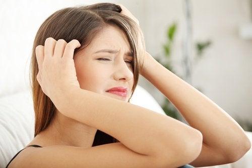 Главоболието понякога е причинено от хормонален дисбаланс.