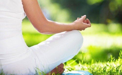 При чувство на тревога практикувайте йога