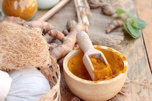 ползи от лечебното средство от куркума и мед