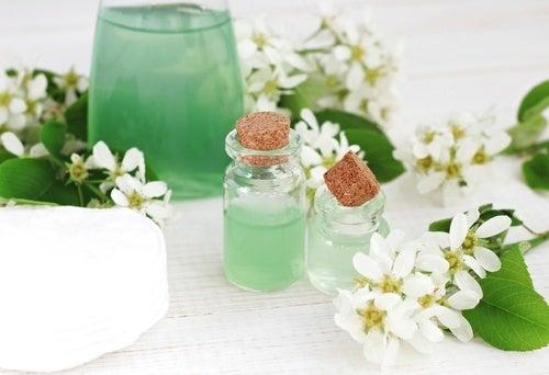 След почистване на грима от лицето,  използвайте овлажняващкрем.