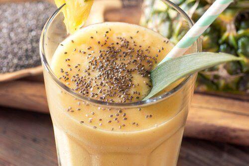 Шейк с чиа и ананас представлява здравословен начин за отслабване