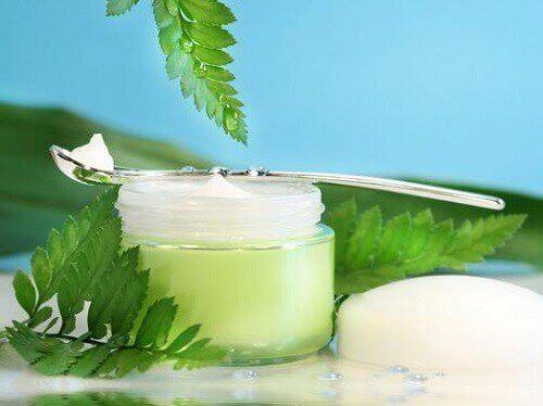 Купувайте нови продукти за миене на лицето