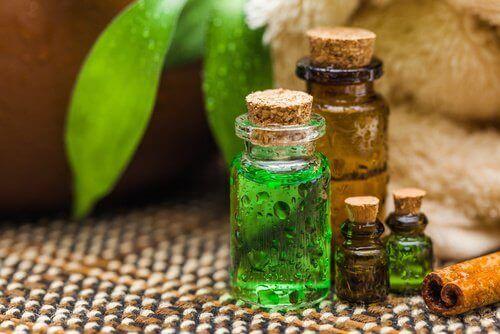 как да приготвите дезодорант с масло от чаено дърео