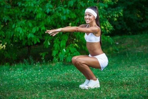 Упражнения за борба с целулита: клекове