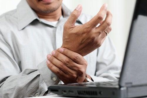 Синдромът на карпалния тунел се смята за трудово увреждане