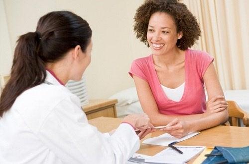 Консултирайте се с лекар за кръвосъсиреците по време на менструация