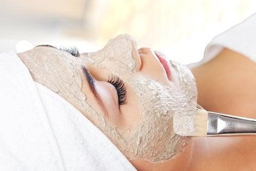 5 естествени начина да намалите бръчките по лицето