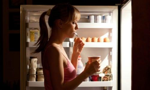 Хроничният глад понякога е причинен от хормонален дисбаланс.