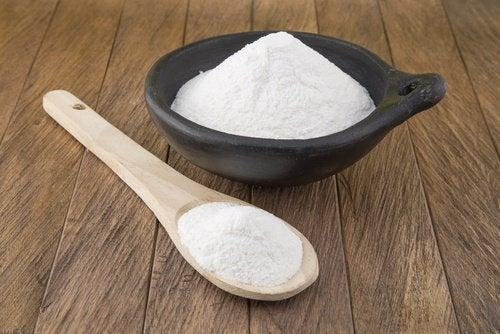 Алтернатива за премахване на плесен и миризми е обикновената сода за хляб.