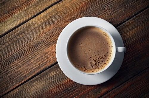 6-те най-неподходящи съставки, които може да добавите в кафето