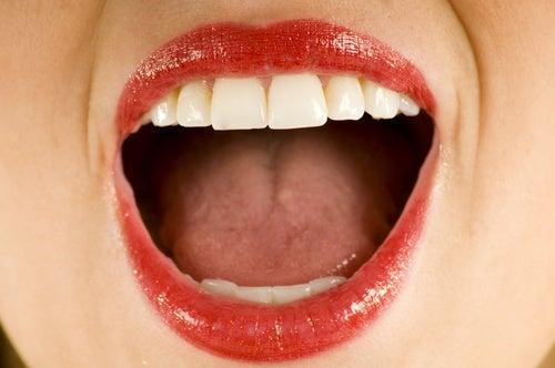 Упражнения срещу преждевременните бръчки около устата