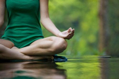 Медитирайте, за да овладеете своя неспокоен ум