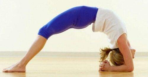 Понижете нивото на стреса и тревожността с тези 5 йога пози