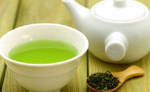поразителни мигли - зелен чай