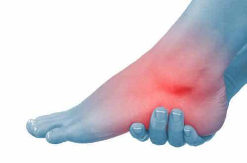 6 Природни средства срещу подути стъпала и глезени