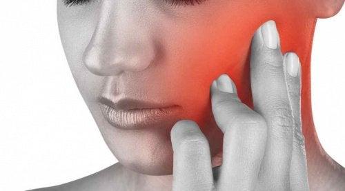 Болки в челюстта: Изпитвате ли ги често?