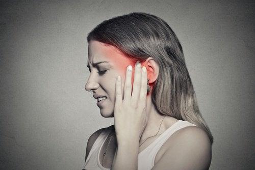 Шум в ушите: Как да го намалим чрез диетата си