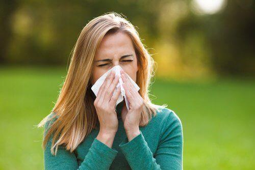 алергиите спомагат появата на тъмните кръгове