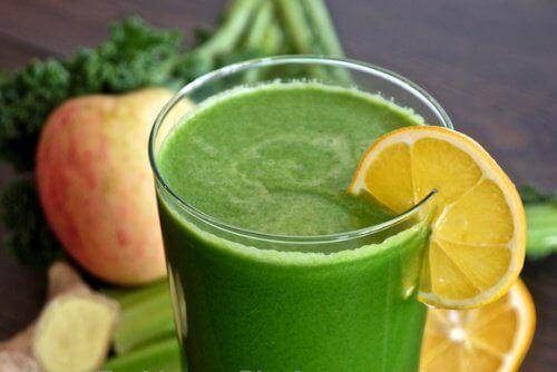 Сок от целина и ябълки - ефективен лек за бъбреците
