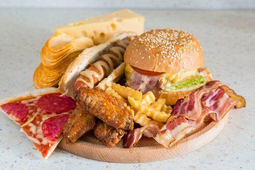 Защо не може да се справите с целулита: не се храните пълноценно
