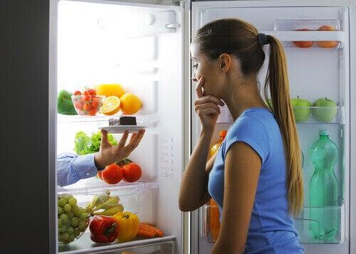 Липсата на течности в организма повишава усещането за глад
