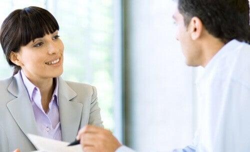 колегите от работа също биха могли да се намесят в личните ви взаимоотношения