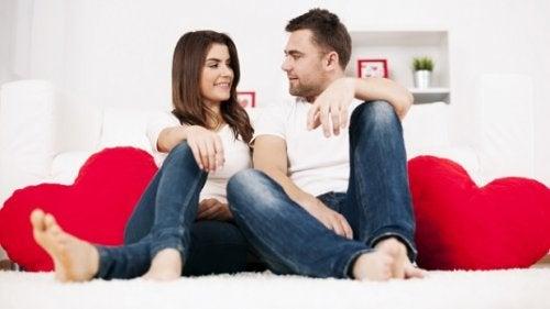 общуването е едно от важните неща за любовта