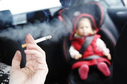 Цигареният дим вреди на сърцето а и на кръвоносните съдове.