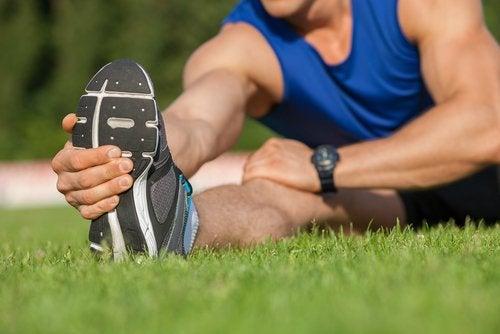 болките в седалищния нерв се разпространяват по целия крак и достигат крака