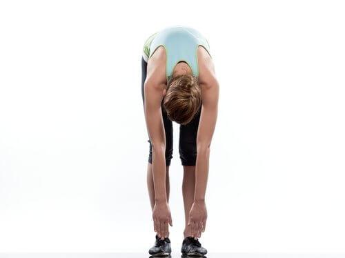 """по време на това упражнение гърбът ви ще образува нещо като """"крива"""", която ще изпъне мускулите и седалищния нерв"""