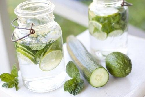 Ползите от сока от краставица