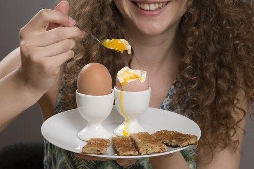 Яйцата задоволяват глада