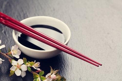 соевият сос е една от тайните хранителни добавки, с които да преборите умората