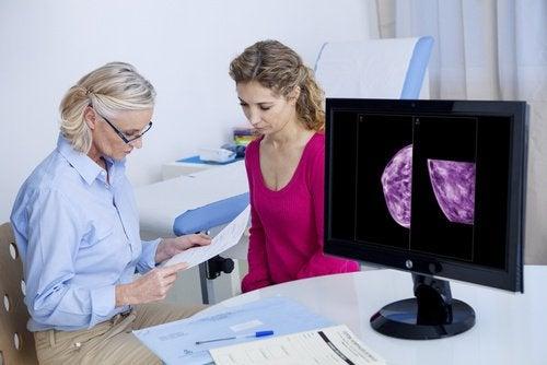 разчитане на мамограма от специалист