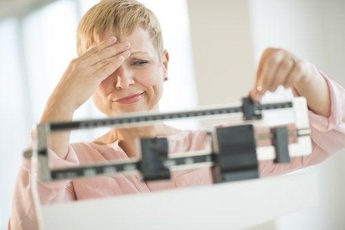 Увеличаване или намаляване на теглото при проблеми с щитовидната жлеза.