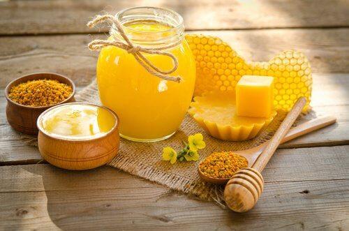 Ползите на пчелния восък
