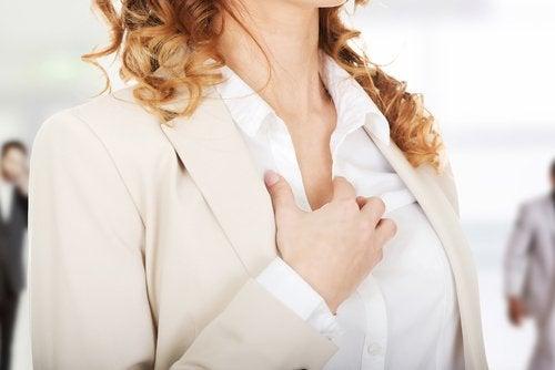 Сърцебиене - може би щитовидната ви жлеза образува повече хормони.