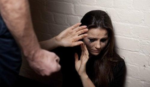 7 ранни признака на връзките с насилие
