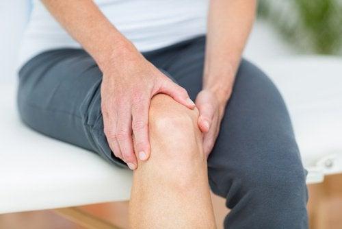Болката в ставите също може да бъде породена от дехидратация на кожата