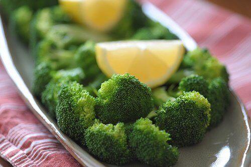 броколито улеснява храносмилането