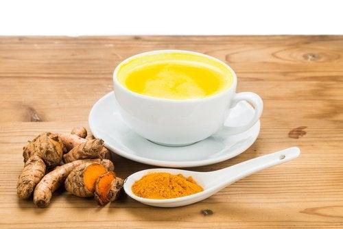 Сок от куркума при лечение на стомашни киселини