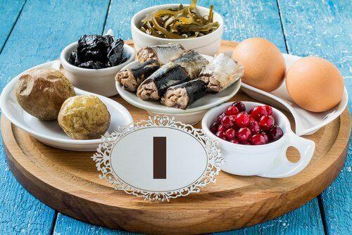 неправилното хранене е предпоставка за проблеми, свързани с щитовидната жлеза