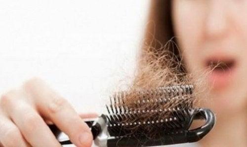 Без грижи косата ви няма да расте по-бързо